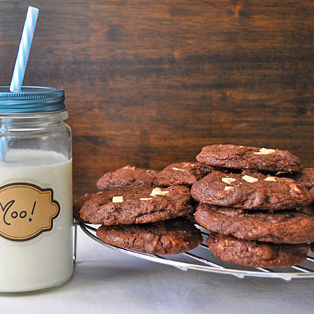 chocolate white chunk cookies, weknowstuff.us.com