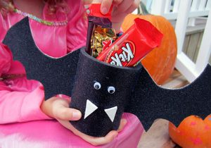 Kids Craft: Batty Party Favors