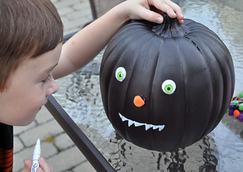 Halloween Kids Craft: Fun with Funkins!