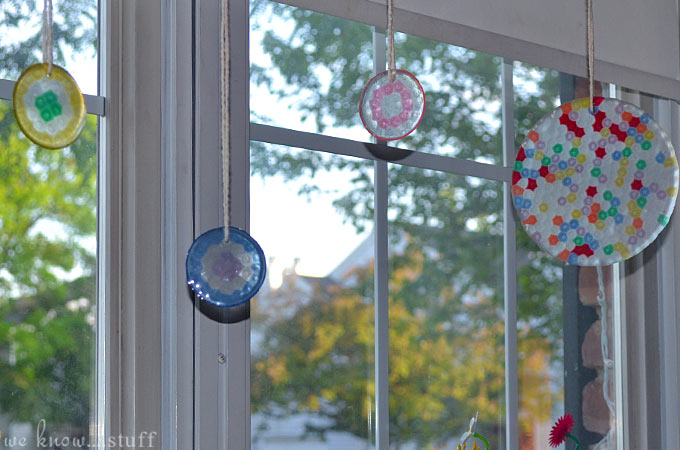 Looking for a cute way to decorate your home? Make Your Own Suncatchers With Pony Beads! It's a simple fun craft to do on a rainy afternoon with your kids.