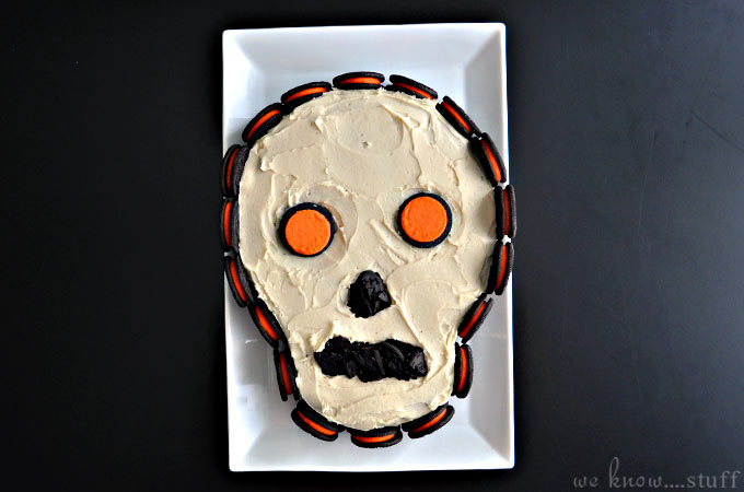 Need creepy Halloween snack ideas? Our barfing pumpkin and skeleton cake are right up your alley. Can be used for Day of the Dead (Día de los Muertos) too.