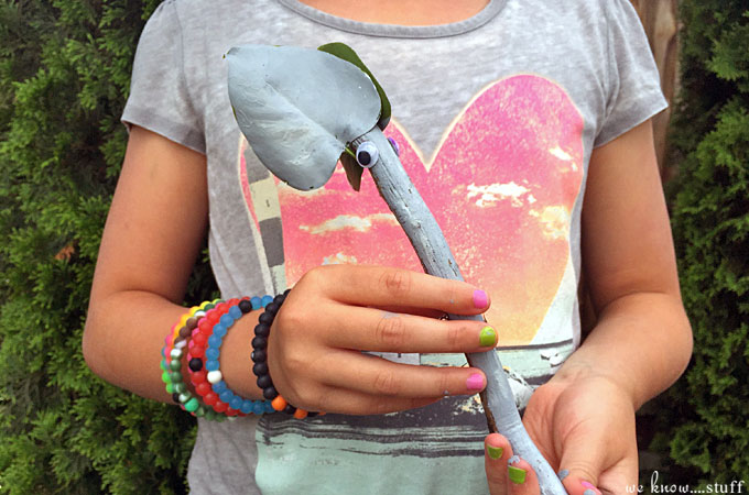 Any time we can turn our nature walks into crafting sessions, we get excited. These painted stick animals are a perfect boredom buster for kids! Your kids will love making these adorable craft stick critters.