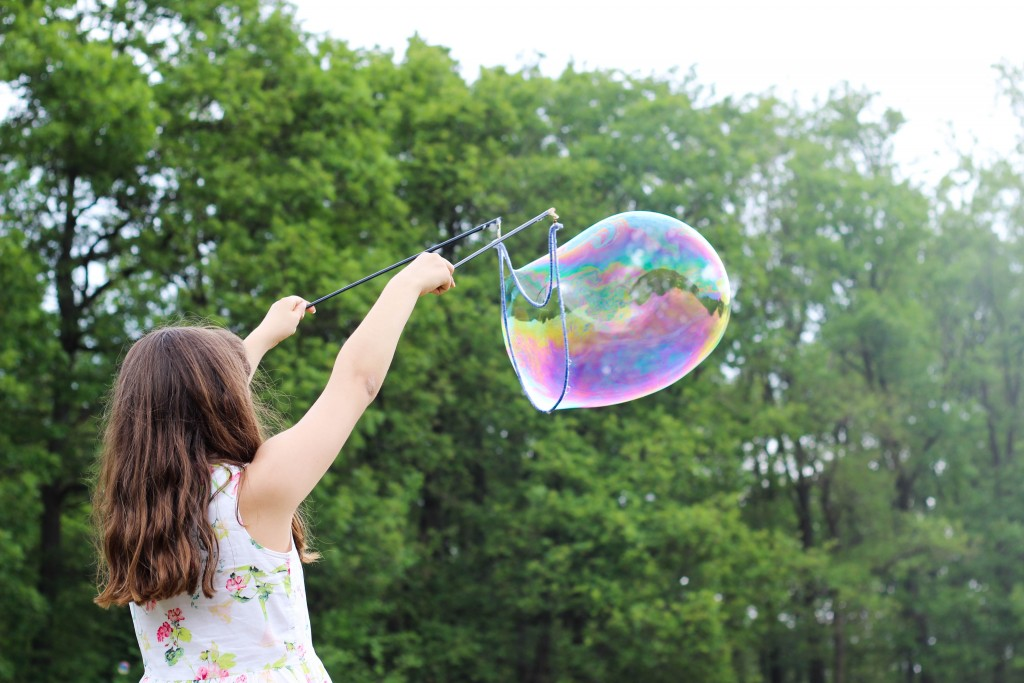 4 Summer STEM Activities for Kids: Help your children prepare for their futures by incorporating these ideas into their day to get them thinking creatively. Photo by Maxime Bhm on Unsplash