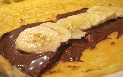 Chocolate-Hazelnut and Banana Crepe, www.weknowstuff.us.com