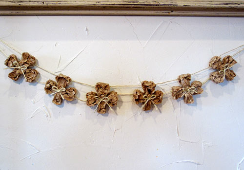 We Know Stuff Rustic Shamrock Garland