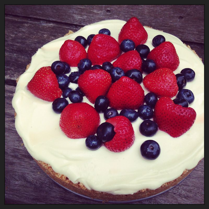 No-Cook Cheesecake, http://www.weknowstuff.us.com/we-know-stuff/2013/07/no-cook-cheesecake-red-white-and-blue-desserts.html