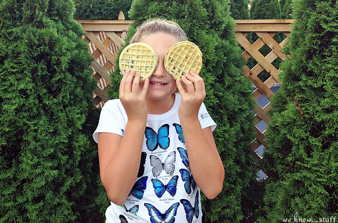 This adorable Owl Waffle is the perfect way to make breakfast special for your kids. This easy fun with food tutorial just takes a few minutes to create.