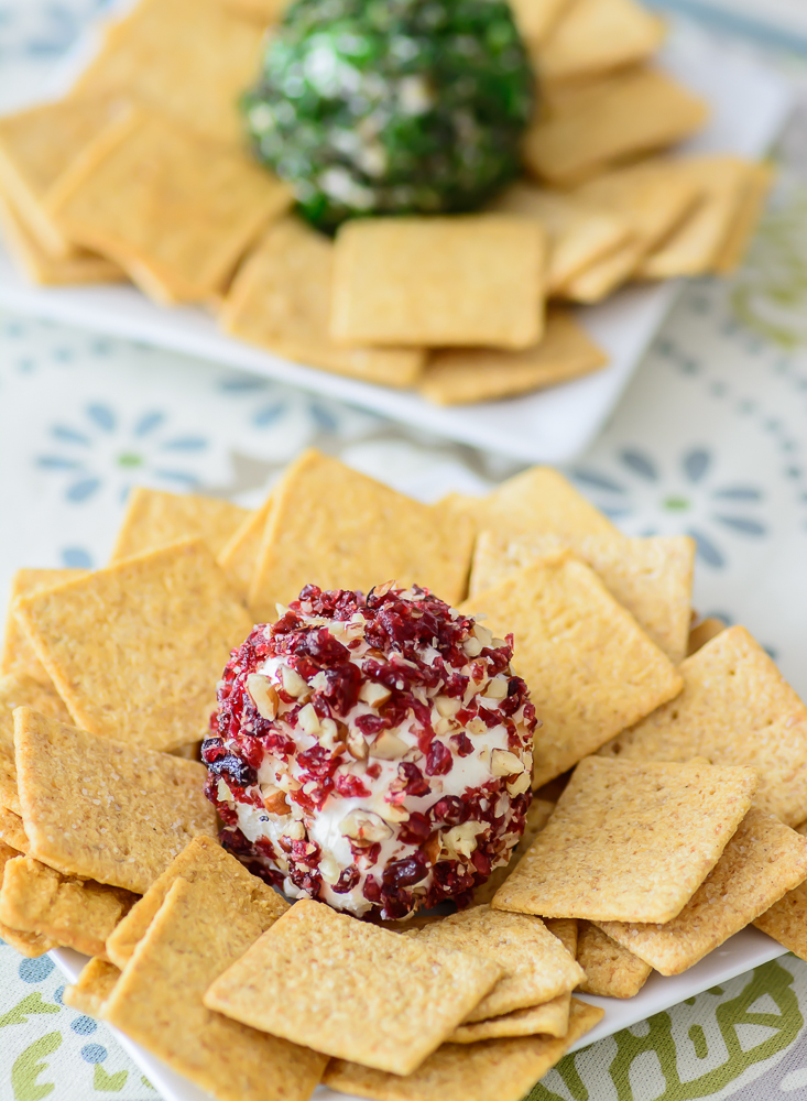 Are you looking for an easy New Year's Eve appetizer? This Mini Cheese Ball Recipe can be made 3 different ways and is great for tailgating too!