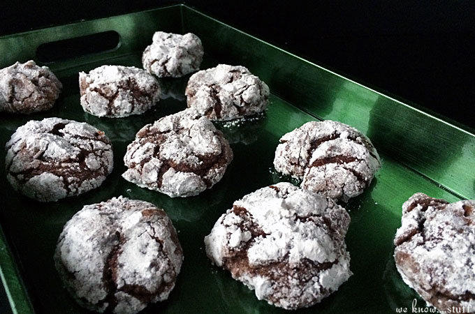 Are you looking for the perfect Holiday cookie? One that you can bring to a cookie exchange? Then you must try our chocolate crinkle cookie recipe!