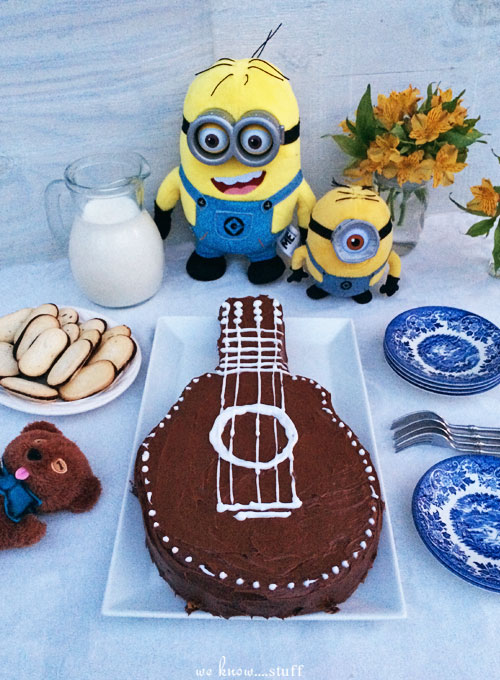 Does your family love minions? Our DIY Minions Party Ideas is full of fun, easy decorating ideas and recipes so you can recreate our party in your home.