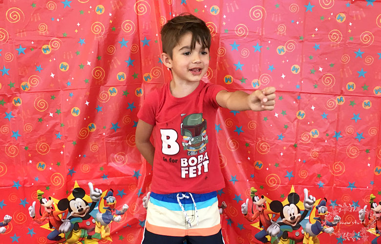 """We love Disney, so when the Disney Parks Team asked us if we wanted to host a magical Disney kids preschool playdate, the answer was, """"Yes! Yes, we do!"""""""