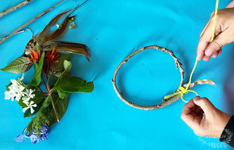 An Easy Dream Catcher Craft For Kids Get Rid Of Bad Dreams Tonight Simple Dream Catcher History For Kids