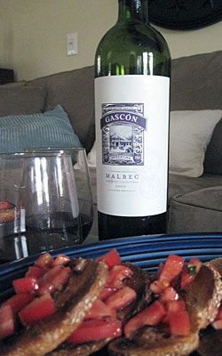 malbec and brushetta