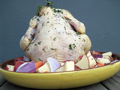 Roasted Chicken with Vegetables and Gravy, https://www.weknowstuff.us.com/