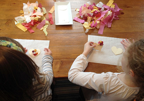 This adorable kids craft is a great way to get kids involved in some hands-on sensory play. Crumpled bits of tissue paper form the base of this Hanging Heart Decoration.